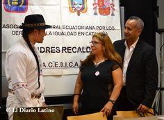 En la gráfica el actor y periodista Amaruk Kayshapanta intercambia opiniones con la presidenta de ACEDICAR Sonia Pallo y el Coordinador de la Secretaría de Ciudadanía y Diversidad Ernesto Carrión, minutos antes del inicio de la actividad.
