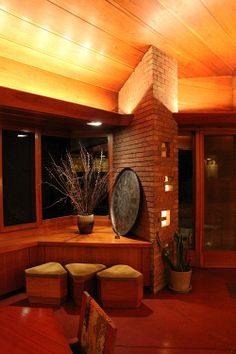 Frank lloyd wright usonian style seamour and gerte for Palmer house ann arbor