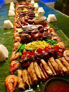Early Thanksgiving Filipino-style boodle fight