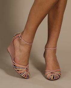 Sandália Soft Colors Anabela - Schutz - Sandálias no Claire