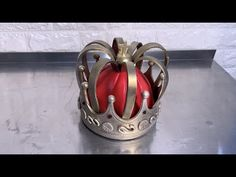 The Crown Jewels Cake using THE MODELLING PASTE™ and Spectrum Flow! - YouTube Jewel Cake, Cake Tutorial, Crown Jewels, The Crown, 3 D, Happy Birthday, Queen Elizabeth, Spectrum, Flow