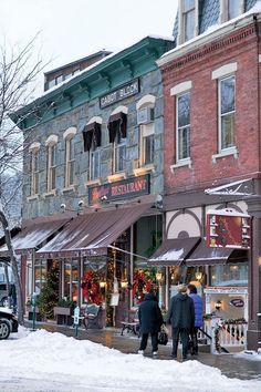 Stores and restaurants cheerfully display the spirit of the season throughout the idyllic town of Woodstock, VT, making it an ideal winter destination. Or most small towns in the North, ie. New England States, New England Travel, Vacation Destinations, Dream Vacations, Christmas Destinations, Winter Vacations, Le Vermont, Vermont Winter, Burlington Vermont
