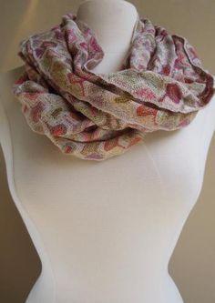 Buzz scarf
