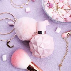Ariana Grande Sweet Like Candy Eau de Parfum - Beauty and the Bass - Perfume Ari Perfume, Candy Perfume, The Perfume Shop, Best Perfume, Sweet Like Candy, Ariana Merch, Ariana Grande Fragrance, Perfume Diesel, Makeup Products
