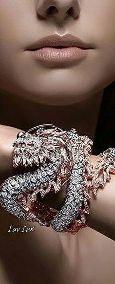 Luv Lux Jewelry Box, Jewelery, Fine Jewelry, Diamond Girl, Delicate Jewelry, Diamond Are A Girls Best Friend, Love And Light, Luxury Jewelry, Gold Glitter