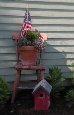 The Primitive Country Bug: Garden Pic's and a Child's Chair Make-Over