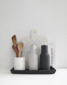 What's new, trending and on sale now the The Minimalist! Kitchen Styling, Kitchen Decor, Kitchen Interior, Kitchen Organisation, Organization, Küchen Design, Modern Design, Home And Deco, Cheap Home Decor