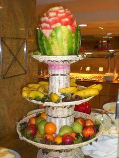sehr originelle idee f r obst dekoration mit ananas und anderen fr chten cumple sebass. Black Bedroom Furniture Sets. Home Design Ideas