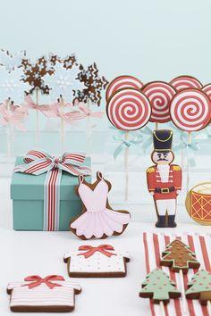 http://www.peggyporschen.com/blog/wp-content/uploads/2012/11/Nut-Cracker-Christmas-1896.jpg