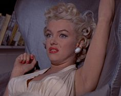 Richard Sherman: Wouldn't you like to know! Maybe it's Marilyn Monroe! The Seven Year Itch - Director: Billy Wilder Richard Sherman, Fotos Marilyn Monroe, Kylie Jenner, Norma Jeane, The Victim, Book Of Life, Men Looks, Retro, Old Hollywood