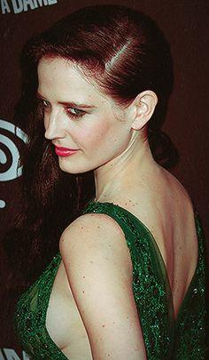 Eva Green News — fandomfatale: Hi, my name is Eva Green, I'm here. Eva Green 300, Eva Green Bond, Beautiful Celebrities, Beautiful Actresses, Actress Eva Green, James Bond, Green News, French Beauty, Classic Beauty