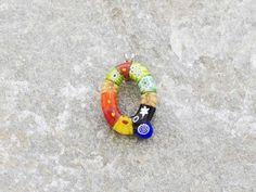 Lettera Q  Iniziale in vetro di murano. Ciondolo pendente, colori vari con murrine inserite.