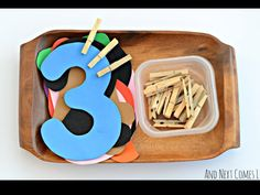 Fine Motor Math Activity Fine motor math and counting tray for toddlers and preschoolers from And Next Comes LFine motor math and counting tray for toddlers and preschoolers from And Next Comes L Numbers Preschool, Preschool Learning, Kindergarten Math, Toddler Preschool, Preschool Activities, Counting For Toddlers, Subtraction Activities, Montessori Preschool, Montessori Elementary