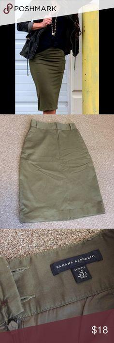 Banana Republic high waist khaki green skirt sz 10 High waist stretch pencil skirt in olive green sz 10. measures 27 inches from waist to bottom hem. Skirts Pencil