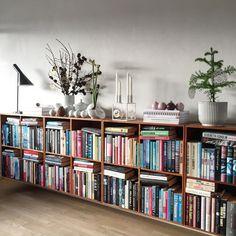 Office Design Home Bookshelf Styling Low Bookshelves, Bookshelf Styling, Book Shelves, Home Living Room, Living Room Decor, Living Spaces, Home Office Design, House Design, Home Libraries