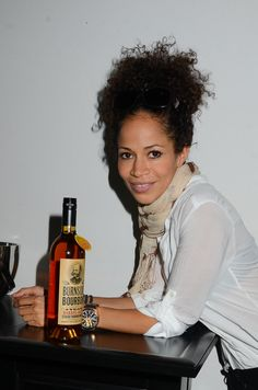 sherri saum height weight