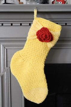 Gifting's a lot more fun with the best crochet Christmas stocking patterns! These free Christmas crochet stocking patterns are so cute—you've got to try them. Crochet Christmas Stocking Pattern, Crochet Stocking, Crochet Santa, Holiday Crochet, Free Crochet, Scarf Crochet, Crochet Slippers, Crochet Blankets, Disney Stockings