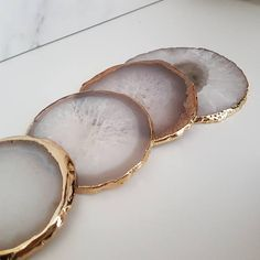 Natural White Agate Crystal Coasters with Gold Glided Edge Metal Walls, Metal Wall Art, Resin Crafts, Jewelry Crafts, Modern Coasters, Roman Clock, Agate Coasters, Marble Coasters, Resin