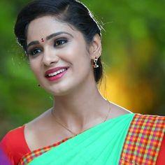 Beautiful Girl Indian, Beautiful Indian Actress, Beautiful Saree, Indian Teen, India Beauty, Indian Actresses, Beauty Women, Sexy, Pretty