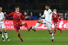Marco Benassi (R) of Italy competes with Lasse Vigen of Denmark during the International Friendly match between Italy U21 and Denmark U21 at Stadio Atleti Azzurri d'Italia on November 14, 2016 in Bergamo, Italy.