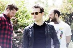 The Fratellis The Fratellis, Rock And Roll, Fangirl, Indie, Mens Sunglasses, Men Casual, Fandoms, Glamour, Mens Tops