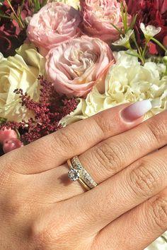 #WeddingJewelry #Elyse #Ria #Handmade NaturalGemstones #Diamonds #Gold. Naše ručne robené zásnubné prstene a obrúčky k sebe patria ako muž a žena. A keďže súhlasíme s myšlienkou, že každý je jedinečný, teší nás, ak túto jedinečnosť môžeme pretaviť aj do našich svadobných skvostov. Našu zákazníčku Katku zdobí dychberúci modifikovaný model obrúčky Ria, ktorý je však doplnený o 28 prírodných briliantov. Vernosť tomuto skvostu navždy sľubuje dokonalý dizajn diamantového zásnubného prsteňa Elyse. Wedding Rings, Engagement Rings, Jewelry, Diamond, Jewellery Making, Jewlery, Jewelery, Commitment Rings, Jewerly