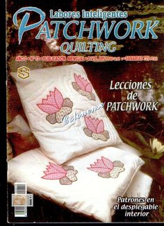 Labores Inteligentes Patchwork Quilting - Log cabin with historic houses in center. Patch Quilt, Applique Quilts, Quilt Blocks, Sewing Magazines, How To Make Purses, Patchwork Bags, Patchwork Quilting, Book Quilt, Book Crafts