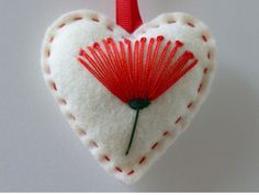 POHUTUKAWA Felt Christmas Heart Decoration