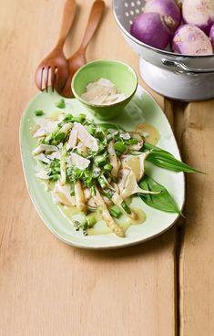 Warmer Frühlingssalat mit Mairübchen, grünem Spargel und Bärlauch Potato Salad, Spinach, Food And Drink, Low Carb, Healthy Recipes, Healthy Food, Favorite Recipes, Lunch, Chicken