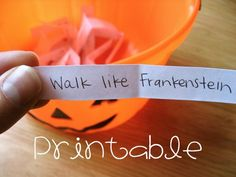 Halloween Charades Party Game Idea by sweetmellyjane. Maybe instead of halloween I would use the civilizations since its a study part. Halloween Tags, Halloween Class Party, Halloween Games For Kids, Halloween Birthday, Halloween Activities, Holidays Halloween, Happy Halloween, Halloween Carnival Games, Halloween Crafts For Preschoolers