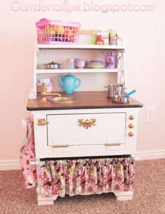nightstand turned little girls play kitchen - Cute !