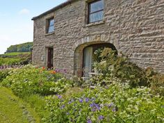 Tetheran Cottage in the Yorkshire Dales. Sleeps 5 and weekly prices from £287.