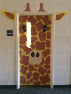 @Lisa Phillips-Barton Phillips-Barton Phillips-Barton Phillips-Barton Miller  - we are so doing this next year!!!!!   Giraffe classroom door-