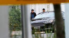 Mordomia: carros oficiais a serviço da família de Dilma Reportagem de ISTOÉ flagra Paula Rousseff e Rafael Covolo, filha e genro da presidente afastada, utilizando veículos pagos pelo governo para cumprir compromissos pessoais