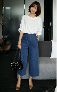 Kayaknya asik buat stabk by Stylish Summer Outfits, Casual Work Outfits, Simple Outfits, Classy Outfits, Chic Outfits, Trendy Outfits, Fashion Outfits, Cullotes Outfit Casual, Work Casual