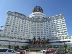 Genting Grand Hotel - Genting Highlands - Wikipedia Gondola Lift, Genting Highlands, Hills Resort, Guinness World, Hill Station, Park Hotel, Grand Hotel, Hotels And Resorts, First World