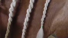 Unicorn Braid on Horse Mane by Bubblygumm This is so cool! And pretty!