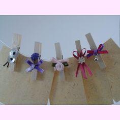 Pinzas decoradas para #boda. Te servirán para el #seating, para sujetar los menús, etc. PVP: 3,03 € / ud. Te podemos diseñar la decoración de forma totalmente personalizada. Consúltanos.