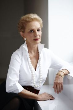 How Carolina Herrera Built a Billion-Dollar Brand With Staying Power Perfume Carolina Herrera, Carolina Herrera 212, Fashion Over 50, Look Fashion, Fashion Outfits, Fashion Trends, Curvy Fashion, Fall Fashion, Classic White Shirt