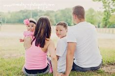 photo images of a family of four posing - Bing Images