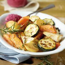Süßkartoffel-Ofengemüse mit Rote-Bete-Dip