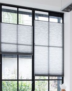Cafe Curtains, Curtains With Blinds, Window Coverings, Window Treatments, Küchen Design, House Design, Honeycomb Shades, Natural Interior, House Smells