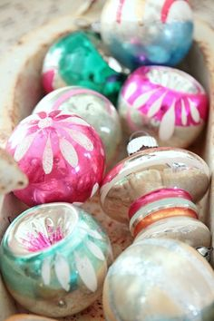 I love vintage ornaments but not crazy about the colors. Antique Christmas, Noel Christmas, Merry Little Christmas, Vintage Christmas Ornaments, Retro Christmas, Vintage Holiday, Winter Christmas, Glass Ornaments, Holiday Fun