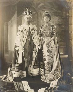 King George V and Queen Mary at the Delhi Durbar coronation. 1911
