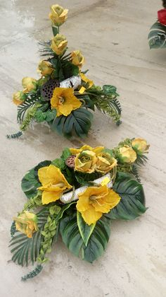 Funeral Flower Arrangements, Funeral Flowers, Floral Arrangements, Cemetery Flowers, Arte Floral, Fall Flowers, Topiary, Artificial Flowers, Berries