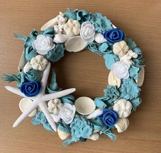 Burlap Wreath, Hanukkah, Vases, Glass Vase, Projects To Try, Wreaths, Home Decor, Wall Art, Decoration Home