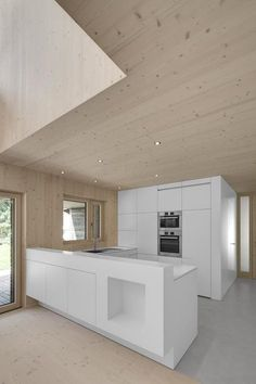 Klicken um das Bild zu schliessen, klicken und ziehen um zu verschieben. Benutze Pfeiltasten fuer vor und zurueck. Timber Architecture, Architecture Design, Interior Design Kitchen, Interior Decorating, Arch House, Wooden Ceilings, Timber House, Apartment Interior, House In The Woods
