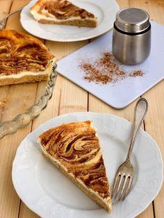 skoricovy tvarohovy kolac Czech Recipes, Ethnic Recipes, Polish Recipes, Something Sweet, Dessert Recipes, Desserts, Healthy Baking, Food Inspiration, Baked Goods