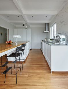 Personalise your kitchen design with the 'KXN' modular system by IMO