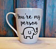 idée comment customiser un mug à l aide d un feutre, cadeau pour une amie spéciale a faire soi meme